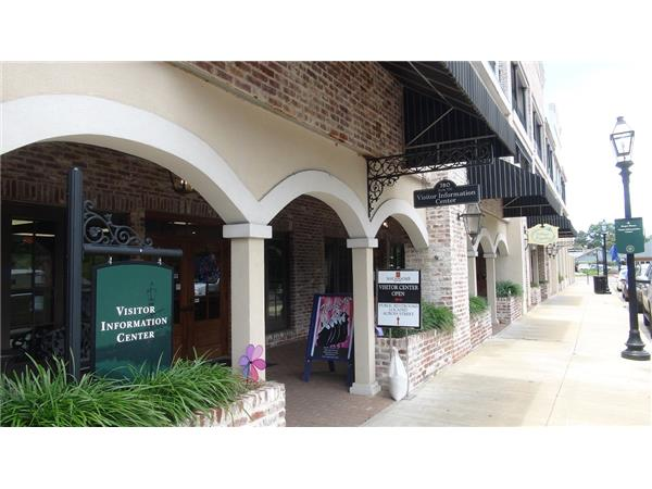 Big Blend Radio Vacation Station Travel Show - Downtown Natchitoches, Louisiana