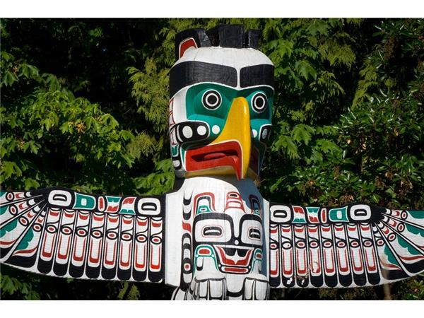 Big Blend Radio: Victoria Chick - Totem Poles of Pacific Northwest